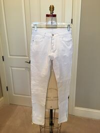 "New with tags Hebegal white jeans with ankle zippers Sz small Inseam 28&1/2"" Carmel, 46074"