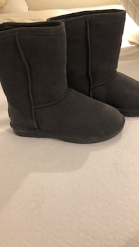 pair of black suede boots Kitchener, N2M 3J3