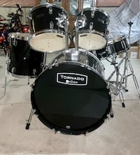 Black tornado drum set