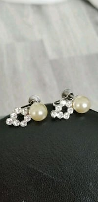 Vintage 1950s 1960s Crystal And Pearl Earrings Markham, L6B 1G6