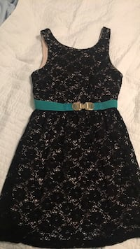 Dress with turquoise belt