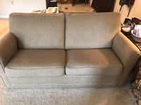 Couch with full pullout - must go ASAP! Gainesville, 20155