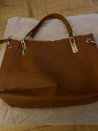 Ladies purse Toronto, M3M 2S8