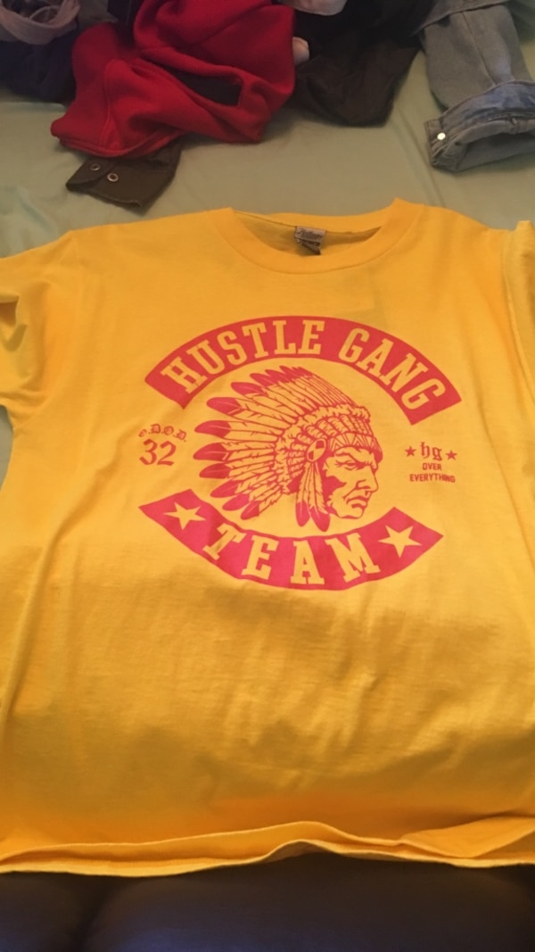 84168ff9 yellow and red hustle gang team crew neck t-shirt