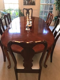 Mahogany Queen Anne Dining Room Table Set with 6 Chairs Haymarket, 20169
