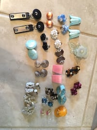 Vintage clip on earrings North Bay, P1B 7E5