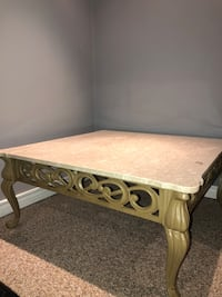 Mable Coffee Table. Newmarket, L3X 3G9