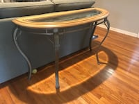 Round brown wooden side table Jacksonville, 32210