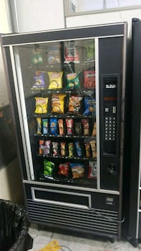 Snack vending machine  Gaithersburg, 20879