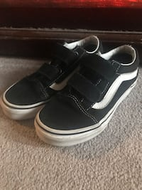 Kids VANS Off the Wall size US13 black suede