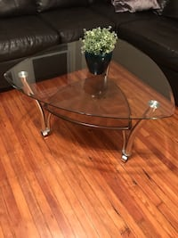 Glass coffee table Havertown, 19083