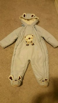 boy snow suit  Brampton, L6Y 4Y1