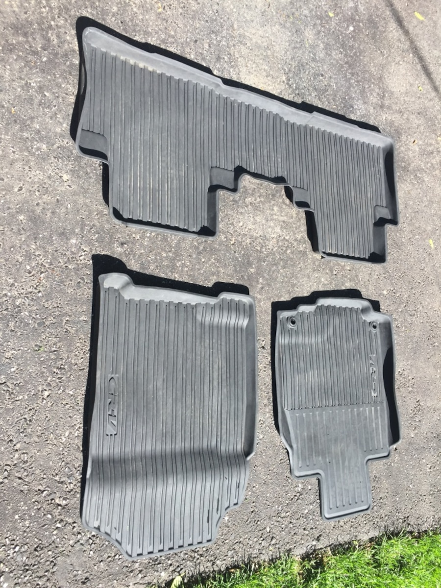 2014 CR-V floor mat all weather format - Ontario