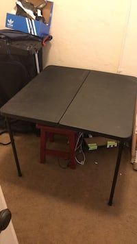 folding plastic card table Long Beach, 90813