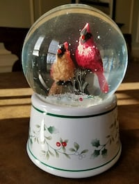 Cardinals snow globe Musical excellent condition Wind Gap, 18091