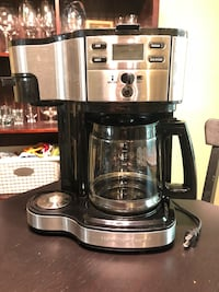 Hamilton Beach 12 cup coffee maker; with single cup option  Lorton, 22079