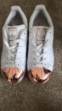 Adidas Original Superstar  Laurel, 20707