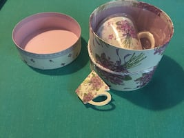 White and purple floral gift mug/tea cup