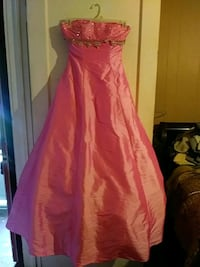 Formal gown le gala size 4 Cookeville, 38501