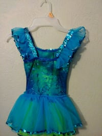 Lil mernaid dress with crown asking $10 OBO Omaha, 68108