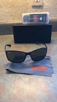 black framed Ray-Ban wayfarer sunglasses with case Colorado Springs, 80917