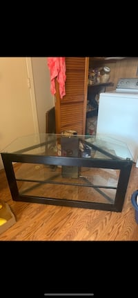 Tv stand New Orleans, 70115