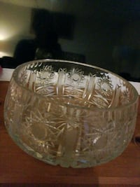Antique crystal bowl  Barrie, L4M 4Y8