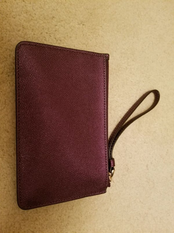NWT COACH Purple ( Metallic Raspberry)Wristlet  6