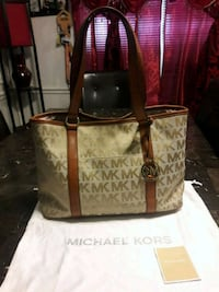 brown and black Michael Kors tote bag Bakersfield, 93306