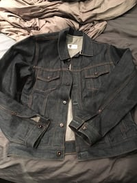 Men's jean (denim) jacket sz L Burnaby, V5G 3X4