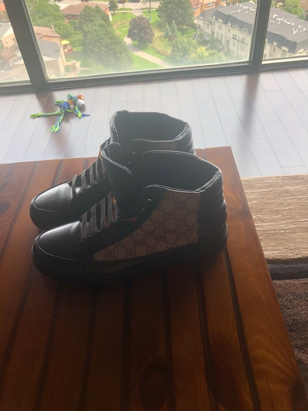 82355e5a8a7 Brukt Gucci high cut shoes Literally worn twice got them for my bday last  year they are honestly like new I never wear them PRICE FIRM. Size 11 til  salgs i ...