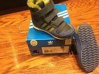 Adidas boots  8k in good condition !  Toronto, M5B 1Y2