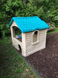 Little tykes playhouse  Colonie, 12205