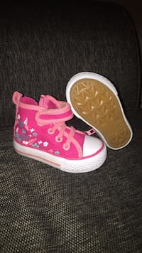 Toddler's pink converse all star high top sneakers Toronto, M6N 2S1
