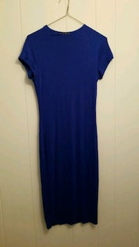 Long form fitting blue dress size Med. Fort Stewart, 31315