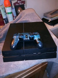 black Sony PS4 console with controller San Jose, 95123
