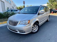 Chrysler Town & Country 2011 Chantilly