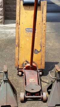 Used A Hein Werner 1 1 2 Ton Floor Jack B 5 Ton H D