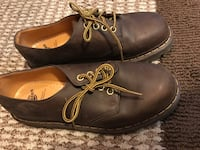 Doc martens brown boots size us 8 McLean, 22102