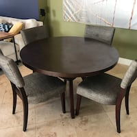 Round wood dining room table and chairs San Diego, 92105