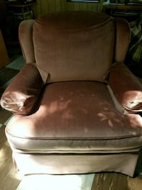 MUST SELL...REDUCED....STATIONARY FRONT ROOM CHAIR Palatine, 60074