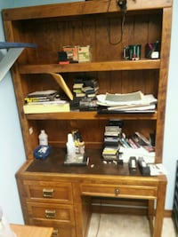 brown wooden desk with hutch Hanover Park, 60133
