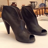 Women's Vince Camuto open toe leather ankle shoes… Gray… Size 7 Manasquan, 08736
