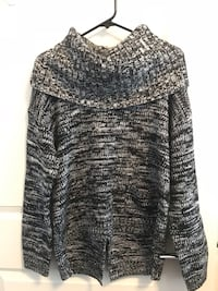Never Worn Ladies Dex Sweater - Medium  Toronto, M8Z 0C6