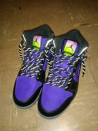 purple and black Air Jordan athletic shoes Columbus, 43211
