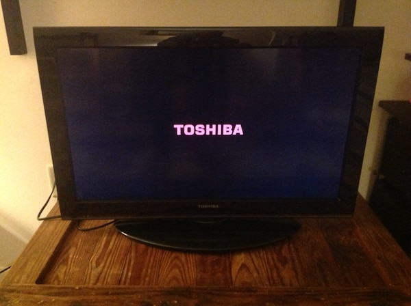 Toshiba 32 inch led flat screen TV