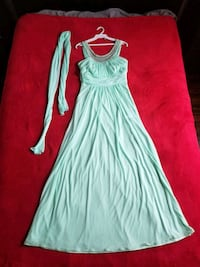 Dress (prom/bridesmaid) / robe (bal/demoiselle d'h Montreal