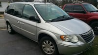 Chrysler - Town and Country - 2007 73 mi