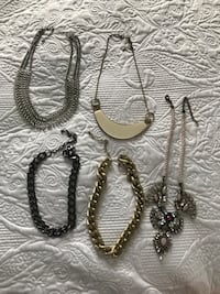 5 NECKLACES FOR 15$ Montréal, H4N