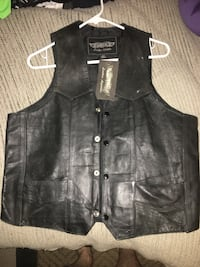 New leather vest size 40 only 35 firm